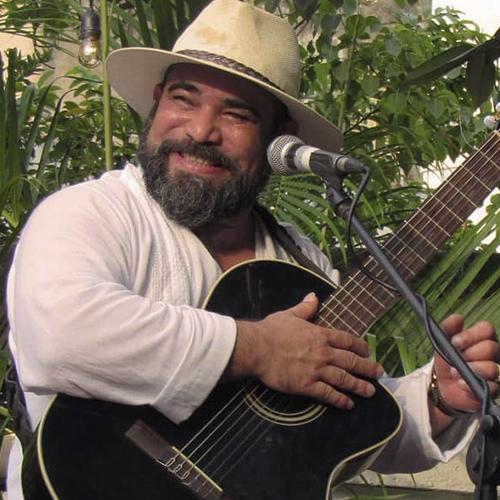 Ray Fernández